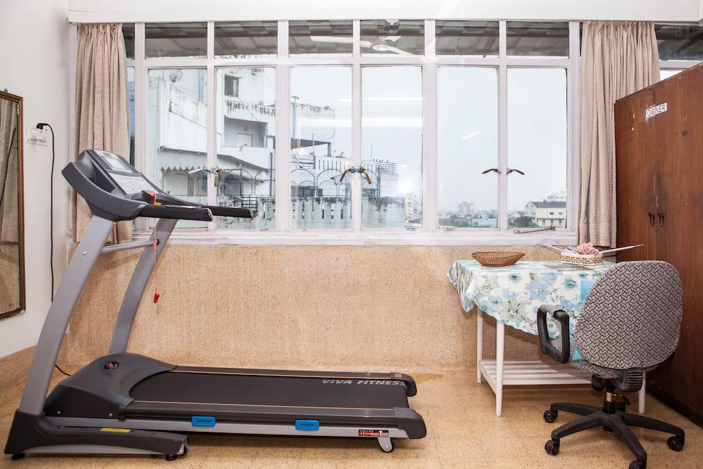 Motorised treadmill with incline option in the sun room