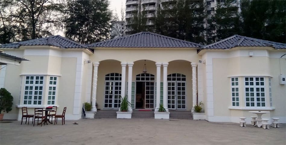 Penang Inn (entire house) 6 Rooms + 6 bathrooms - George Town - Villa