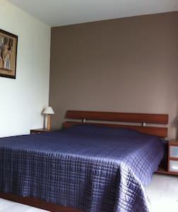 Chambre cosy dans maison familiale - Pernes-les-Fontaines