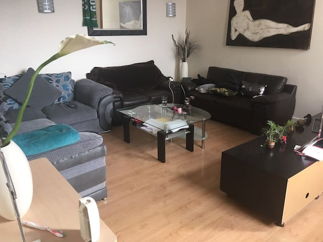 5 minute walk to Liverpool city centre apartment