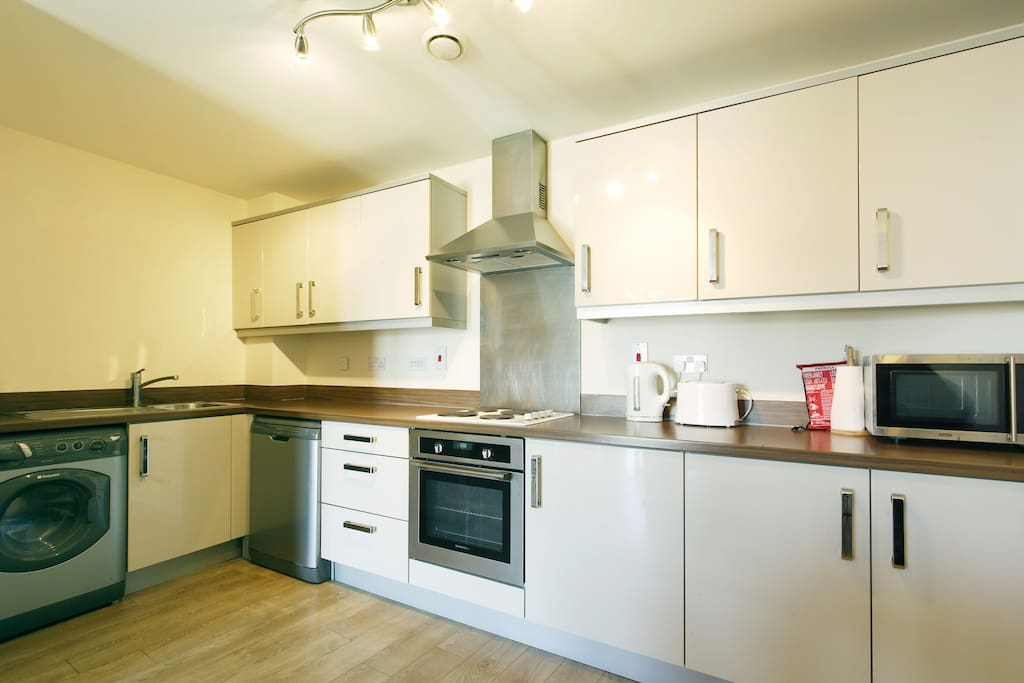 Apartment 56 Full Equipped Kitchen - Washer/Dryer, Fridge Freezer, Microwave & Dishwasher