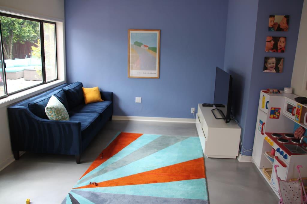 Family room -TV