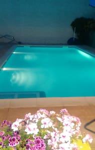 Dans villa au calme, chambre privée - Lignan-sur-Orb