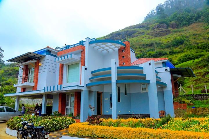 Dreamy Hill Getaway | Balconies w/ Panoramic Views