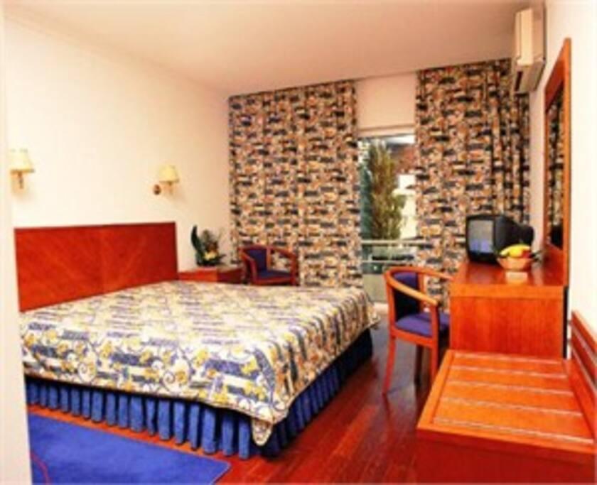 Hotel vouga chambres d 39 h tes louer s o pedro do sul for Chambre d hote portugal