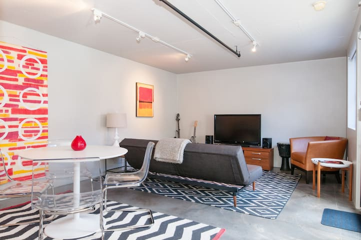 Studio with private entrance in Inner Mission