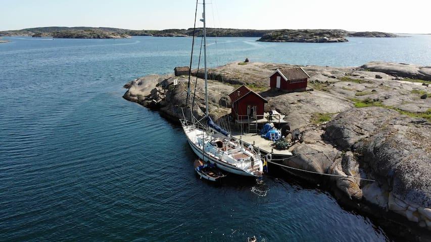 Unique Island: yacht + fisherman's cabin, sauna