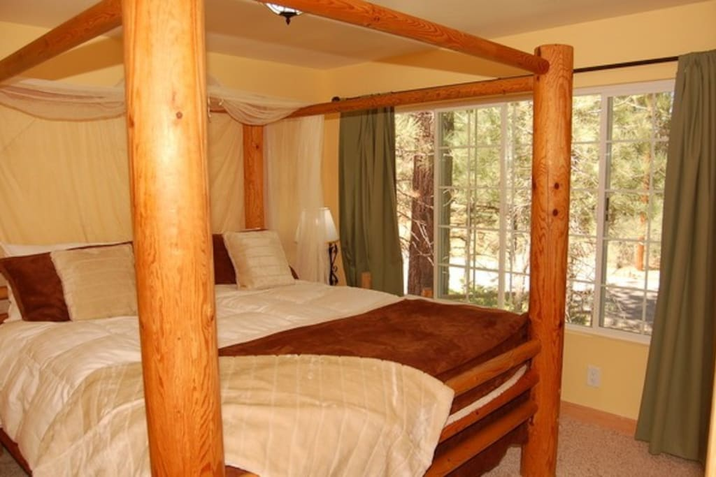 Four poster lodge pole CA King