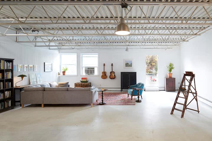 Perfect ShelterinPlace Huge CLEAN  loft+roofgarden