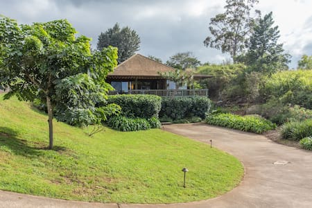 Exquisite Upcountry Cottage Retreat - Makawao