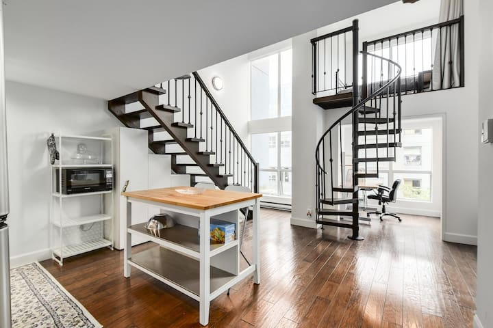Absolutely Unique Loft Downtown