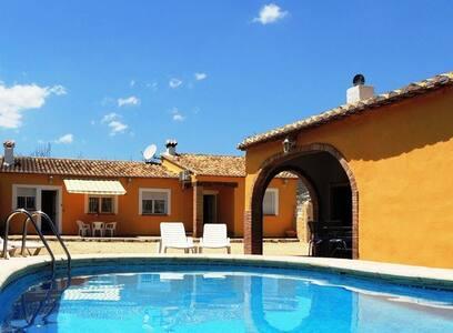 Chalet con piscina, Wifi, A/A - Jalón