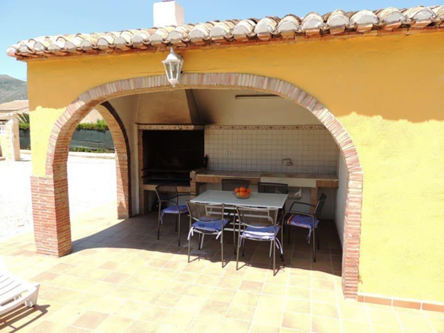 Chalet con piscina wifi a a villas en alquiler en for Alquiler chalet piscina privada comunidad valenciana