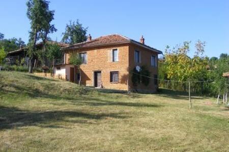 Cosy house in Elena Balkan