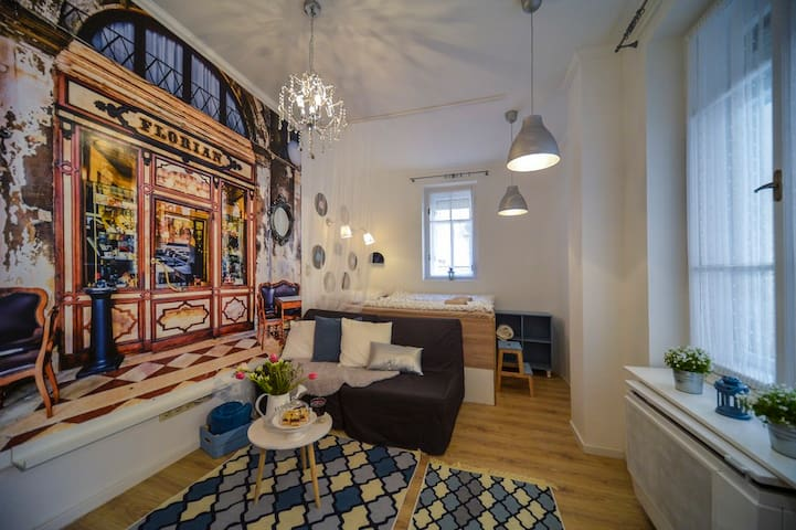 Vintage Studio | very heart of the city |  3beds - Budapest - Apartemen