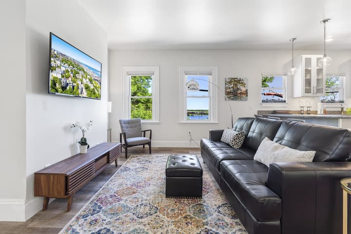 Urban Chic Furnished 2 Bed 2 Bath in the West End with Water Views