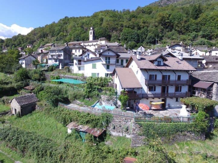 Grosszügiges Ferienhaus (8 Pax) im Valle Cannobina