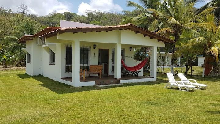 Casa de Playa en el Paraíso, frente a Isla Grande