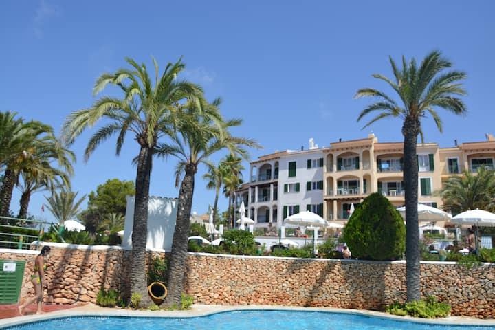 Appartement avec vue côté mer et piscine