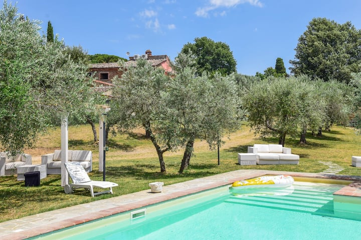 House with private pool 30km from Siena & Arezzo
