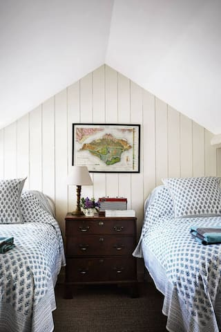 Pretty,  large loft bedroom suite with twin beds,  sitting area, private bathroom and loads for charm.