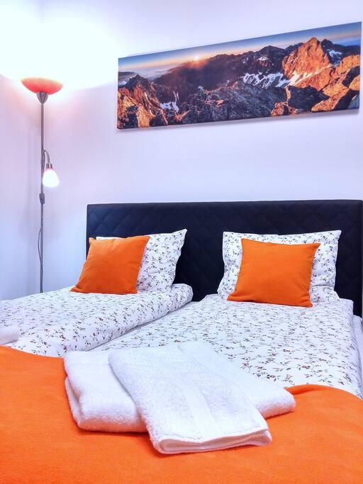 Apartment - Queen Bed