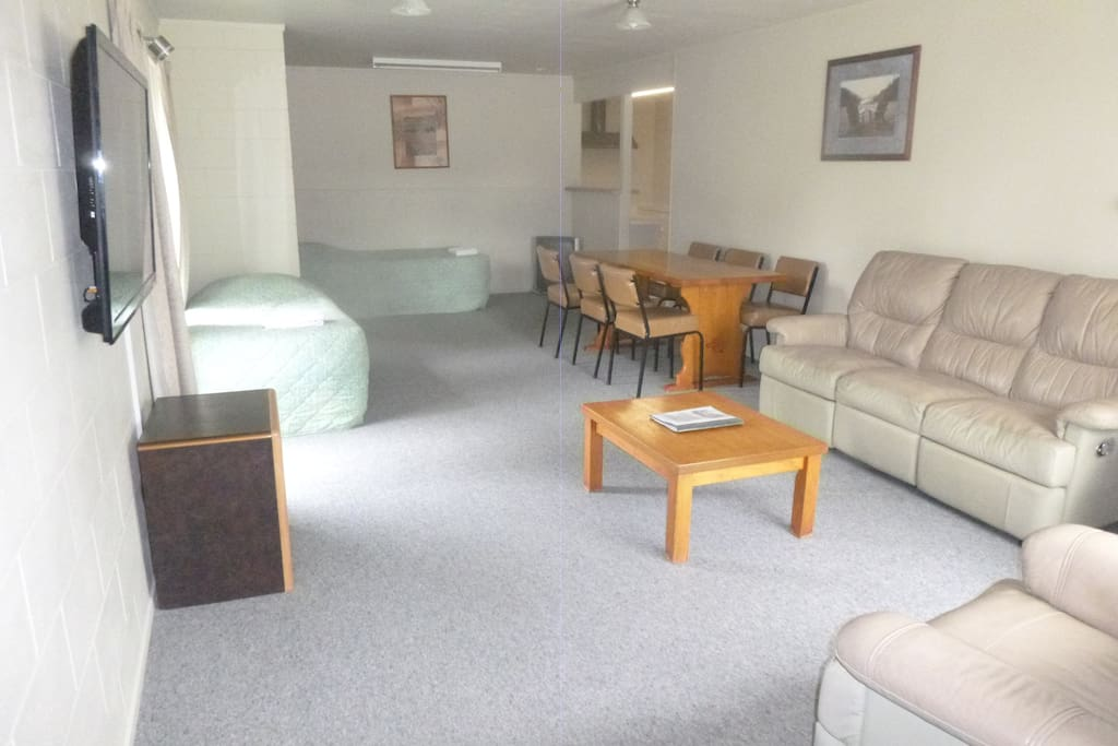 Spacious lounge area - Plenty of room for everyone.