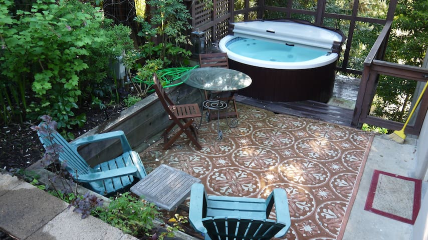 Beautiful studio+Office w/ Hot Tub! - Oakland - Apartment