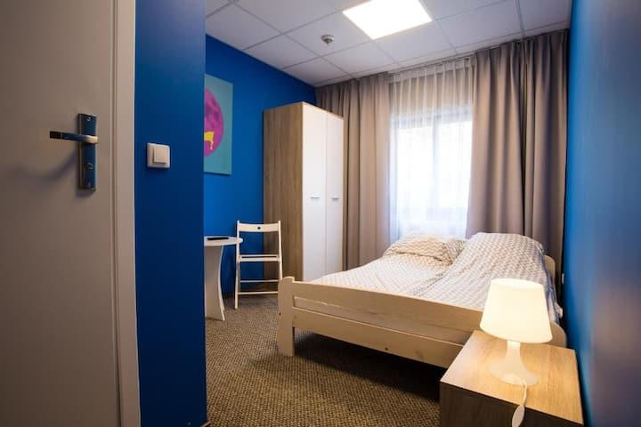 Pokój 2-os. DBL z prywatną łazienką Moon Hostel