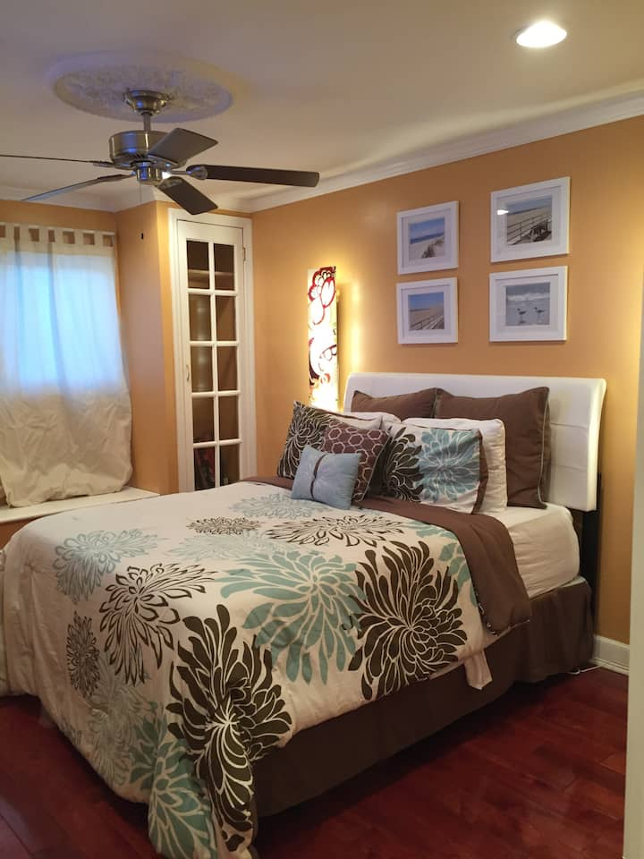 Beautiful Executive 1 bedroom Suite