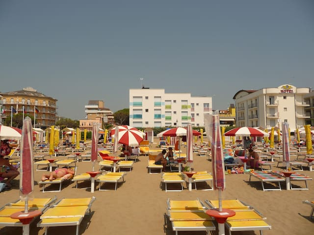 Lateral Sea view Apartment in Caorle on the beach