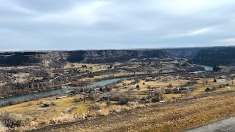Escape to The Snake River Canyon.