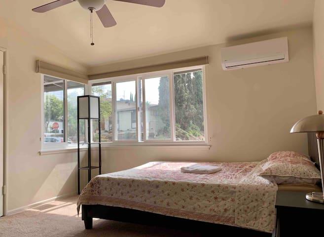 Cozy Bedroom #1, Quiet and Peaceful neighborhood