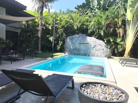 Chambre N°2 dans villa moderne avec piscine privée