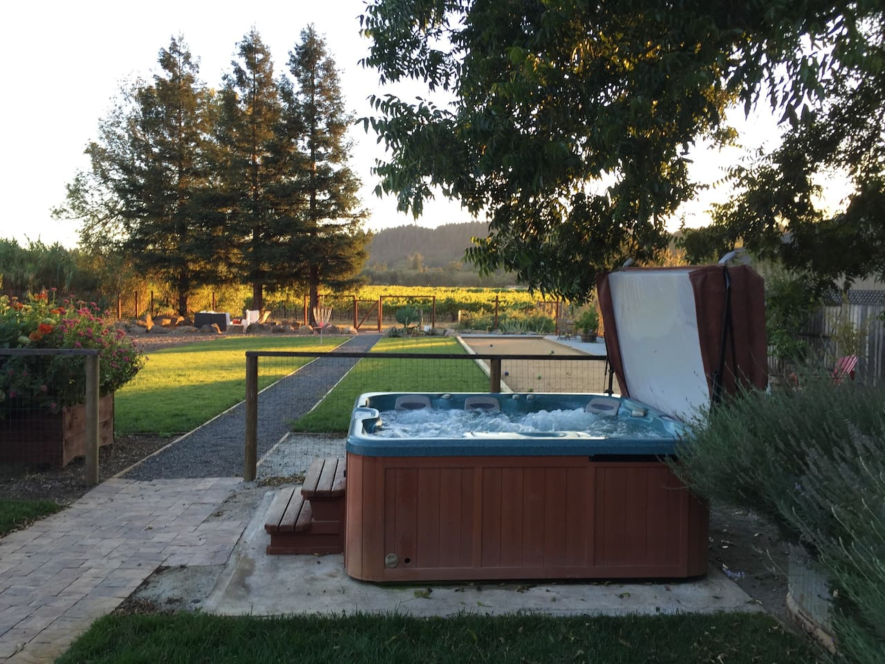 dry creek w tub bocce vineyard houses for rent in healdsburg