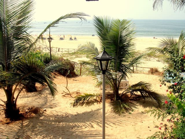 BEACH VILLA OVERLOOKING THE SEA! - Candolim - Villa
