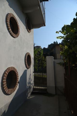 Mario's MONFLAT+ colazione - Monforte d'Alba - Apartamento
