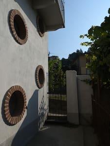 Mario's MONFLAT+ colazione - Monforte d'Alba - Lejlighed