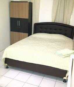 Bed and Breakfast in Jakarta - South Jakarta - Bed & Breakfast