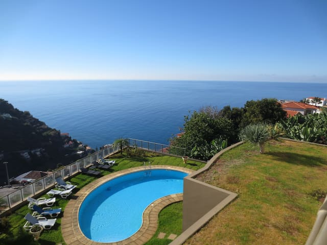 Plaza Bay Luxury Apartment With Swimming Pool - Calheta - Appartement