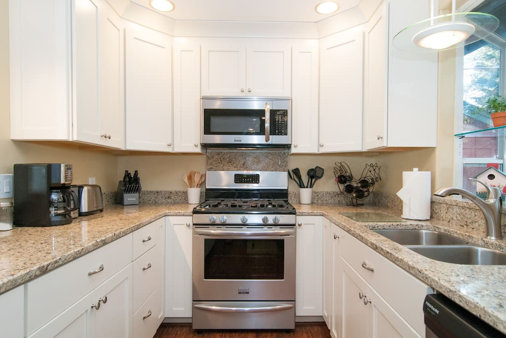 Stainless appliances and granite countertops all new
