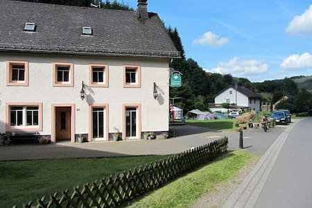 Overnachten in een watermolen - Densborn - Bed & Breakfast