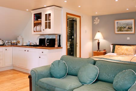 Private Studio in a beautiful and charming village