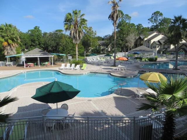 Stay 5 nights and Save, Pool, BBQ, Tennis, Shuttle