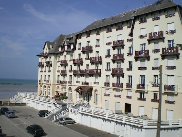 location meublé en bord de plage - Donville-les-Bains - Apartment