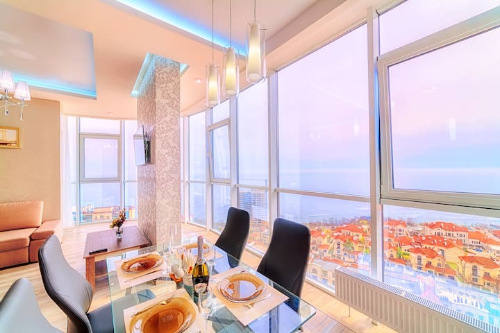 Apartment Arcadia with best sea view))