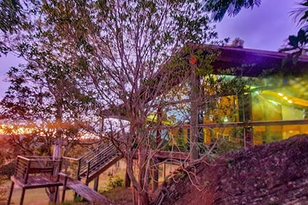 Wombat Creek Eco Lodge, 80 acres of solitude