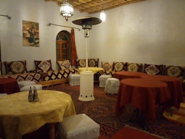 Omar sahara deserte