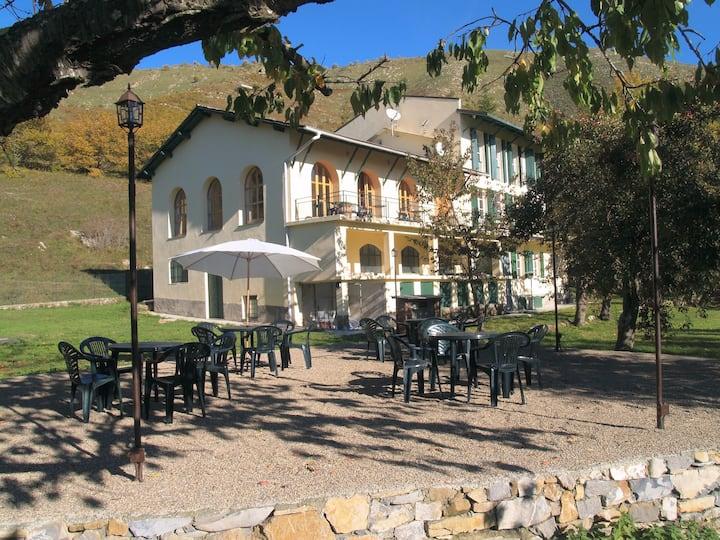 Fattoria Prati Piani 20 persons 11 bedrooms .
