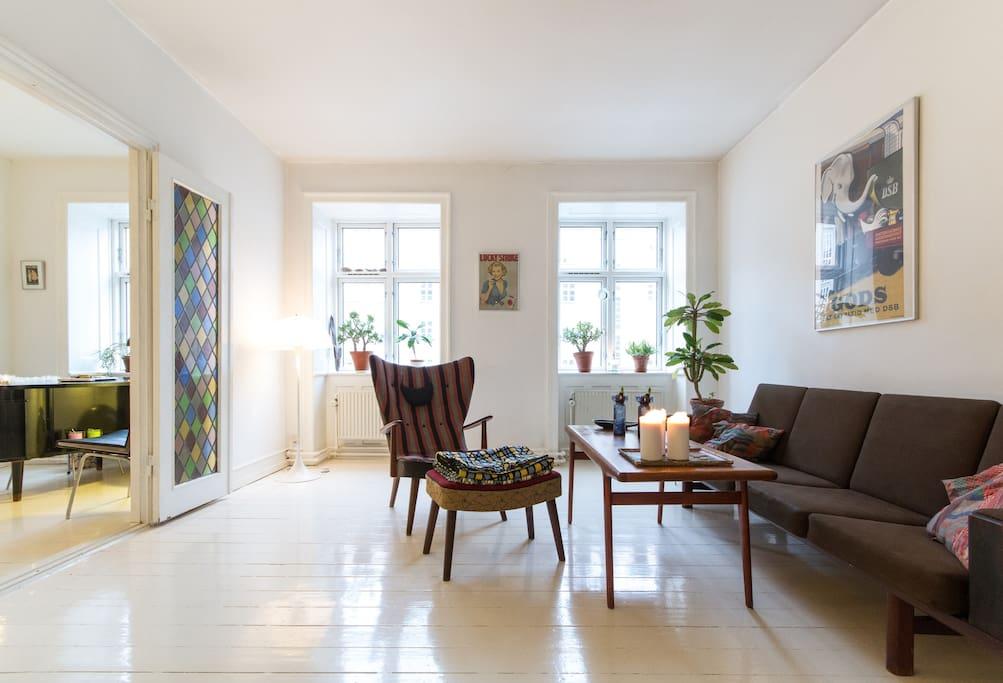 Living room - Wegner sofa & chair